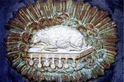 The sacrificial Lamb close to Boudets tomb